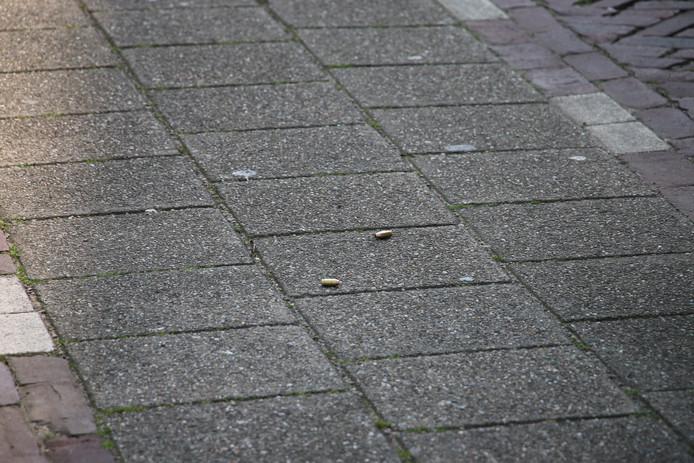 Op straat werden kogelhulzen aangetroffen