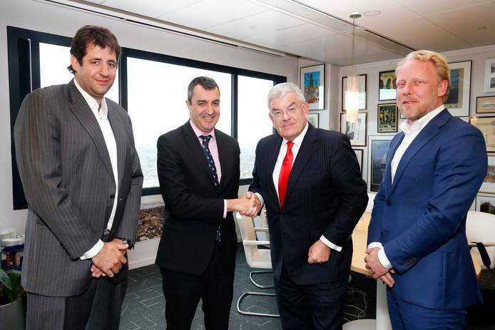 Van links naar rechts: Charles Ovajio, Javier Guilen, burgemeester Jan van Zanen en Martijn van Hulsteijn.