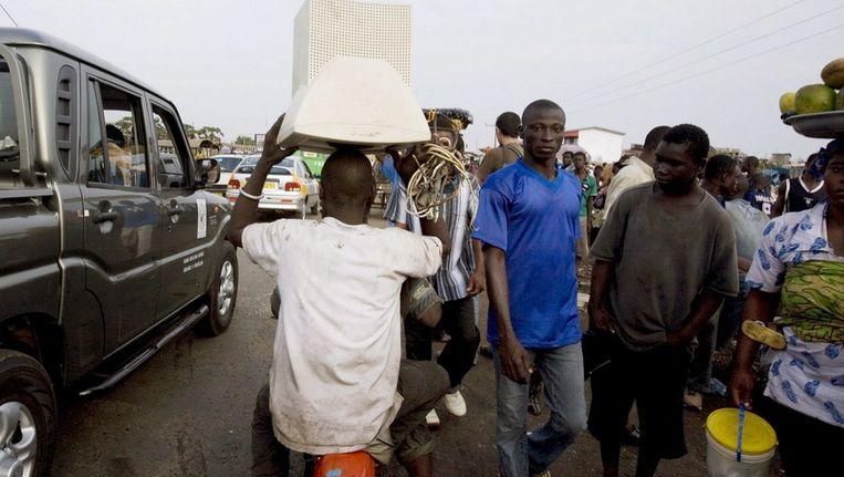 Het straatbeeld in Accra Beeld anp