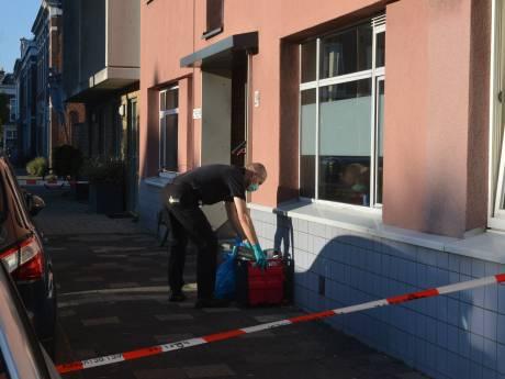 Politie doet onderzoek naar dode in woning Gaslaan