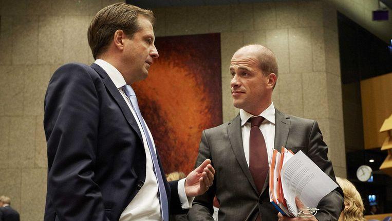 PvdA-fractieleider Diederik Samsom (R) en D66-leider Alexander Pechtold Beeld ANP