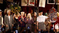 Brexit-protest op de catwalk bij Vivienne Westwood