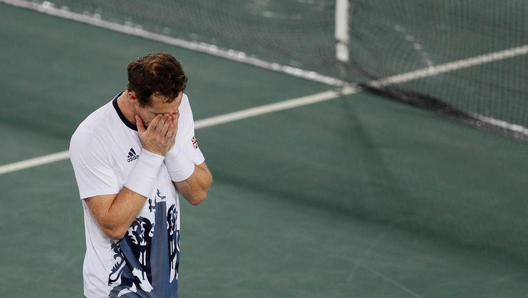 Andy Murray in tranen na zijn overwinning op Del Potro in de finale van het olympisch tennistoernooi. Beeld ap