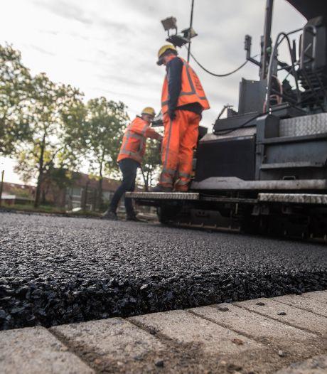 Wereldprimeur in Bredase straat: een weg van asfalt, maar zo 'groen' als gras