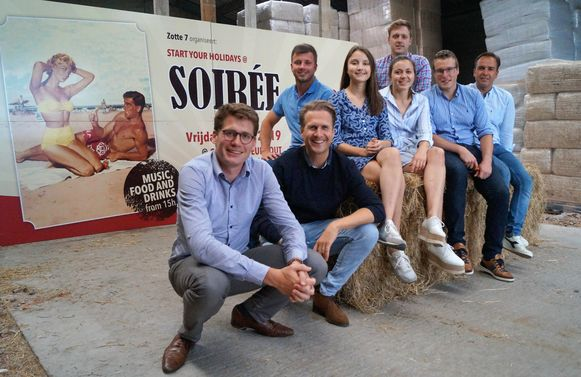 De Zotte 7 zijn Davien De Maré, Astrid Demeulemeester, Dries Debever, Wouter Ide, Jeroen Delmotte, Wouter Lafaut, Wouter Van Daele, Stijn Borry en Dries Lust (verontschuldigd op de foto).