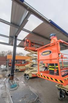 Tankstation Selnisse bij Lewedorp heeft weer een overkapping