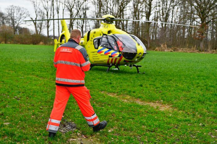 Een traumaheli verleende assistentie bij het ongeluk.