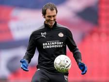 Deventenaar Raimond van de Gouw kon bij PSV meteen flink aan de bak met grabbelende en teleurgestelde keepers