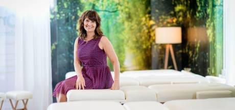 Besna Son uit Enschede leert de techniek van goed masseren: 'Mensen hunkeren naar aanraking, juist nu'