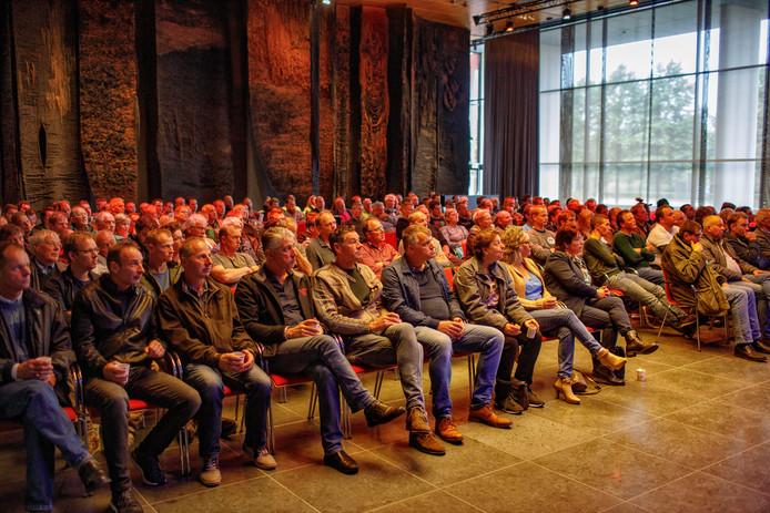 Vorige week volgden honderden boeren de vergadering over de stikstofimpasse in het Brabantse provinciehuis.