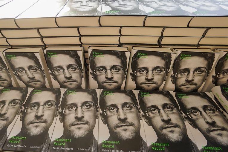 Het boek van Snowden. Beeld AFP