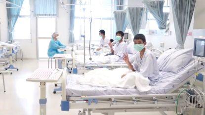 Thaise voetballertjes en coach hebben ziekenhuis verlaten
