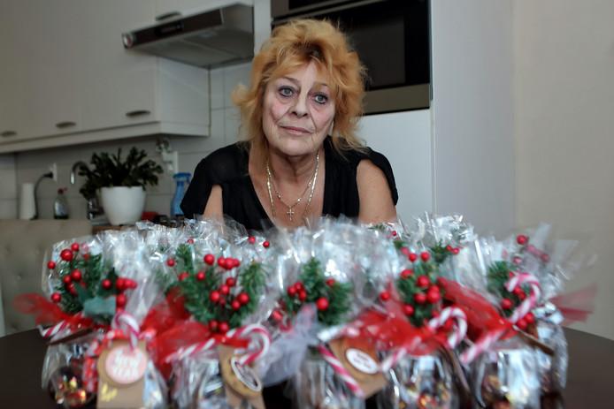 Zowel Miep Broeren als het personeel van SDW Dinteloord zijn overdonderd door de reacties op de chocoladeletterkwestie.
