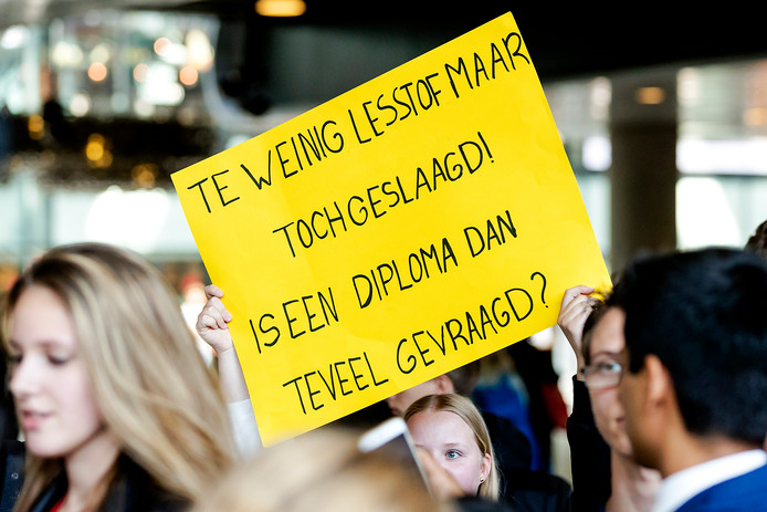 Leerlingen van het VMBO Maastricht kregen te horen dat hun eindexamens ongeldig waren