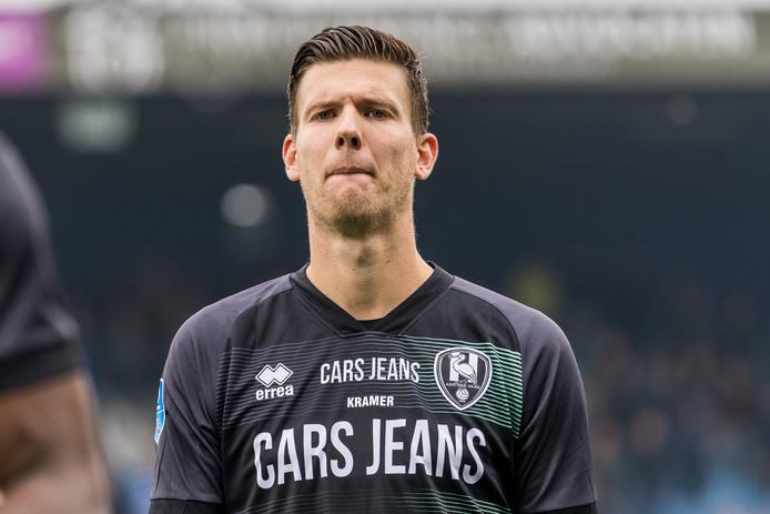 """Michiel Kramer trekt een zuur gezicht na de nederlaag in Zwolle. ,,Het is vervelend dat we ondanks zoveel ervaring zo laag staan"""", verwoordde hij de situatie van ADO."""