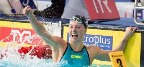Kira Toussaint zwemt nieuw wereldrecord: 'Dit is een heel mooie dag in een zure tijd'
