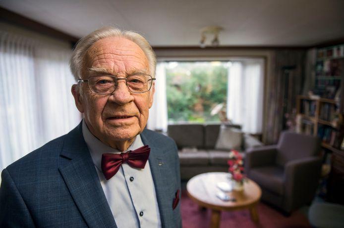 Zeger Wijnands, voorzitter van de landelijke van de Vereniging Stop de Jacht op Bewoners Recreatiewoningen, in zijn chalet in Putten: ,,We willen meepraten. Nu wordt er over ons beslist, niet met ons.''