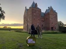 Festivals gaan niet door, dus draaien twee DJ's voor Slot Loevestein bij zonsondergang