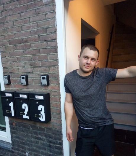 In de Pioenroosstraat in Eindhoven: Pools praten met een vertaal-app