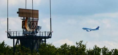Weer vloog er een gigantische Boeing laag over Enschede