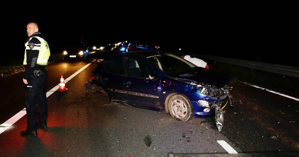 Autos total loss na botsing op A73 bij Beers.