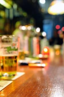 Radboud Universiteit stelt gedragscode in: 'Zet studenten niet aan tot overmatig drinken'