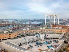 De bouw van 42 huurwoningen in lege kantoren Maasplaza is gestart