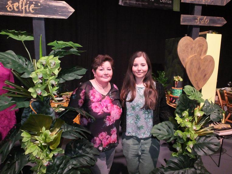 Heel wat lokale handelaars op Fashion Day. Ann en Sara vierden er het vijfjarig bestaan van de bloemenzaak Het Bloem Gebeuren.