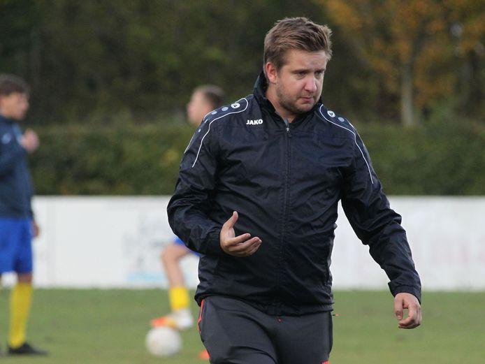 Eernegemtrainer Jens Constant gelooft niet dat hij vanaf 15 januari alweer in groep zal mogen trainen met zijn ploeg.