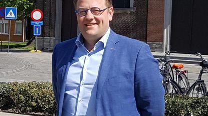 Burgemeester Tom De Vries trekt Open Vld-lijst