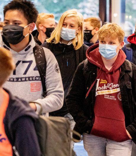 Scholen in de regio gaan overstag: 'Dan gaan we dus allemaal een mondkapje dragen'