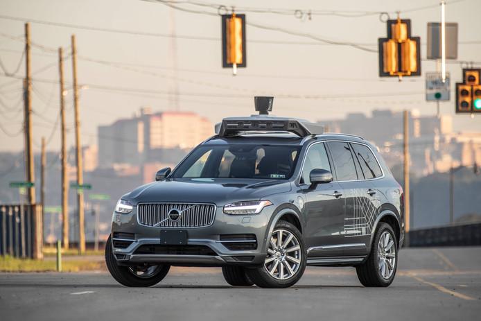 Een zelfrijdende Volvo waar Uber mee experimenteert in de VS