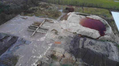 """Brasschaat 2012 vraagt onderzoek naar mogelijke 'vervuiling' op site Hens/Revabo: """"Paars, violet of magneta: verdacht is de kleur van het water in elk geval"""""""