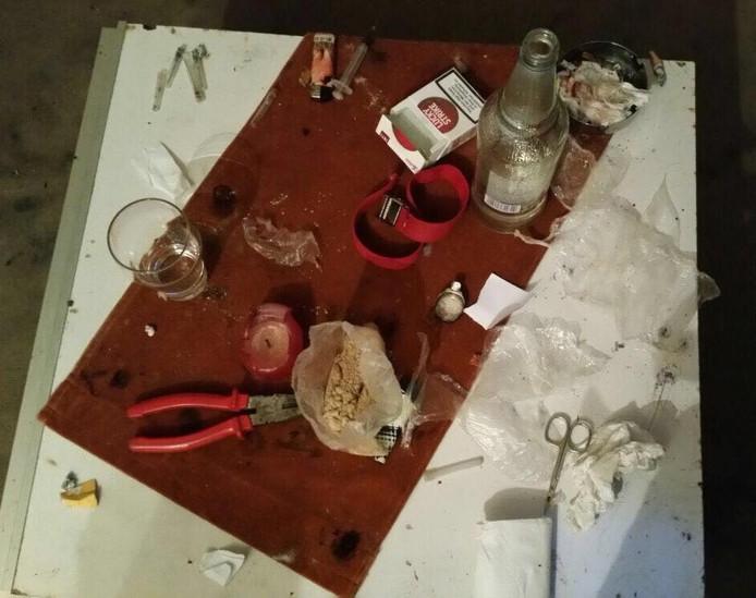Dit trof de politie aan bij een huiszoeking in een drugspand aan de Rondostraat.
