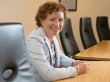 Raalter wethouder Gerria Toeter wil samenwerken als in de koekjesfabriek