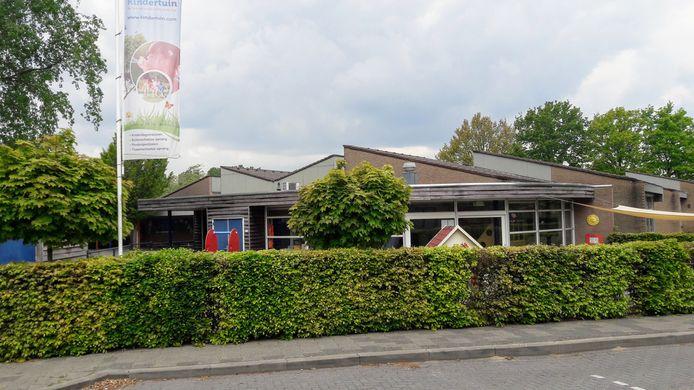Naast de Willibrordusschool was tot voor kort peuterspeelzaal De Dribbelaartjes gehuisvest. Die plek wordt overgenomen door Stichting Kinderopvang Berenhuis uit Berlicum. Samen willen ze een nieuw gebouw betrekken.