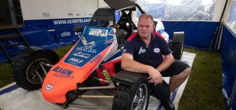 Doordeweeks is Lammert uit Oldebroek chauffeur, in het weekend is hij druk bij de autocross