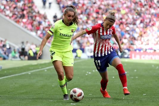 Lieke Martens in actie tegen Atlético Madrid.
