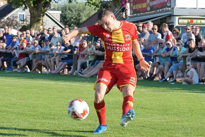 Nicolas Abdat maakt vrijdagavond in de Adelaarshorst (aftrap 20.00 uur) zijn officiële debuut voor Go Ahead Eagles, als rechtsback.
