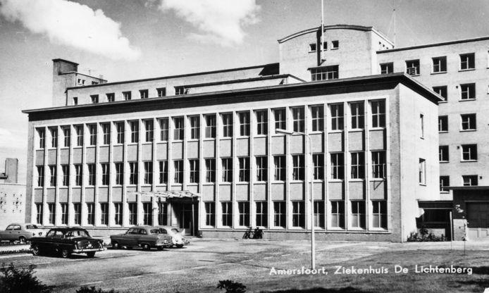 Ziekenhuis De Lichtenberg aan de Utrechtseweg, boven op de Berg, werd geopend in 1957. Het complex is enkele jaren geleden gesloopt. Er is onlangs gestart met de bouw van woningen.