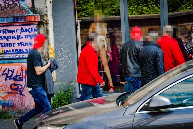 """Pensioenbetoging in Brussel: ook in de Aarschotstraat """"betogen"""" vakbondslieden."""