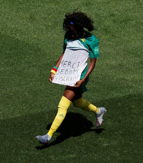 Constant gefluit bij vrouwenvoetbal, dat is nieuw