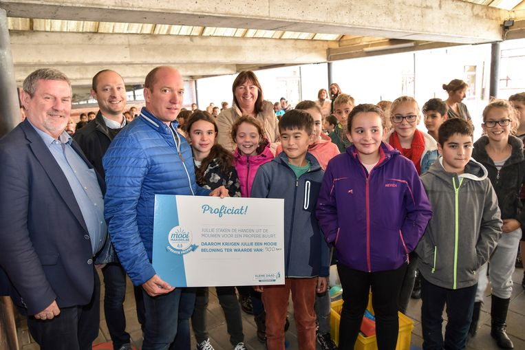 Cheque van 900 euro voor KOHa Sint-Pieter