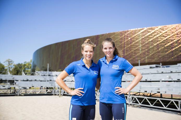 Laura Bloem (links) en Jolien Sinnema.