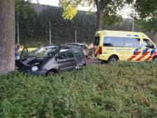 Twee auto's botsen tegen elkaar in Vlijmen, geen gewonden