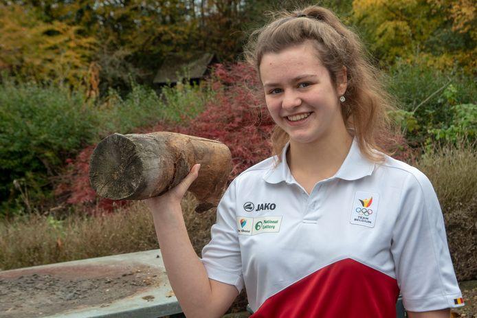 Nina Sterckx (16).