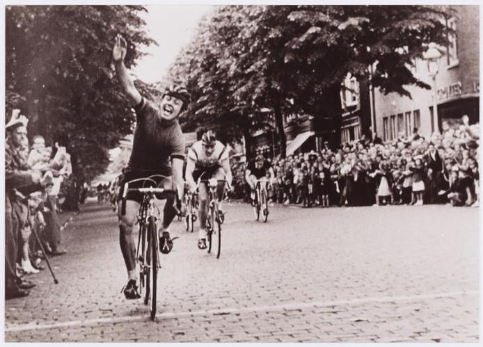 De Ronde van de Besterd, begin jaren '50. Foto Regionaal Archief Tilburg