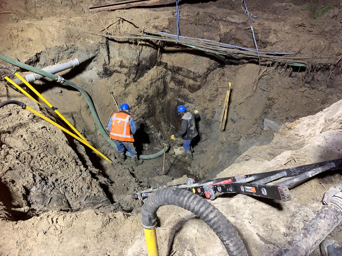Het werk aan het kapotte riool in de Pieter Zeemanstraat in Zwijndrecht is afgerond