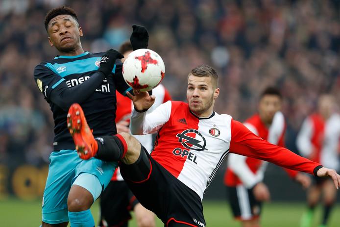 Na het duel met Feyenoord is PSV afgeschreven in de titelrace. Na afgelopen weekend gloort weer een sprankje hoop, al blijft het gat enorm groot.
