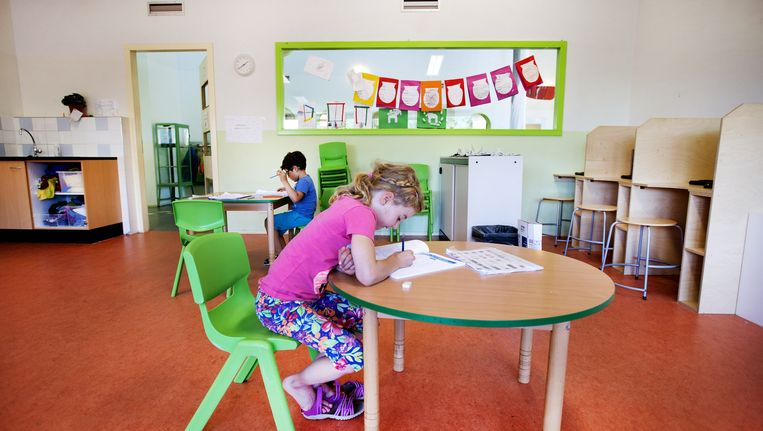 Om daadwerkelijk voldoende tijd te hebben en tegemoet te komen aan de behoeften van leerlingen combineert De School onderwijs en kinderopvang. Beeld Olaf Kraak